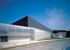 Centro Esportivo Bakio / ACXT