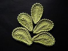 Crochet leaves tutorial. Not English, but has pictures.