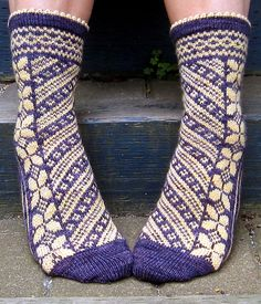 """wouahhh   """"Butterflies are Free"""" by Rose Hiver (via Ravelry)"""