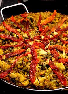Conheça a receita tradicional de uma família espanhola na versão sem carne #espanha #paella #semcarne