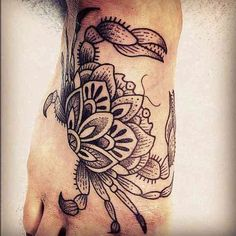 This tattoo is the perfect one if you like something less black or elaborate. It's like the one above but for people with simpler tastes.