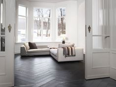 french oak in a cosy living room Cosy Living, Architectural Floor Plans, Home Structure, Selling Your House, Flooring Options, Cheap Furniture, Den Furniture, Furniture Ideas, Style At Home