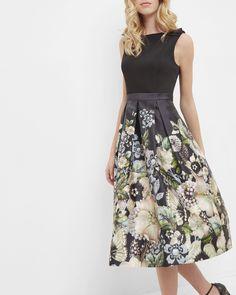 Robe plissée Gem Gardens - Noir | robes | Ted Baker FR