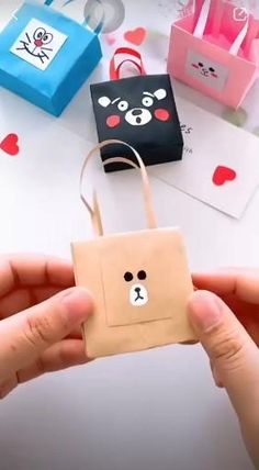 It's easy to make your own DIY Gift Bags in under 5 minutes using wrapping paper! Perfect for your children and friends! diy paper Where is your little bag? Diy Crafts Hacks, Diy Crafts For Gifts, Diy Home Crafts, Fun Crafts, Diy Gifts For Friends, Diy Cards For Best Friend, Best Friend Crafts, Diys, Kawaii Crafts