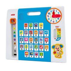 Plataforma interativa que ajuda na educação das crianças, em casa ou onde quiser. Quanta brincadeira a criança consegue encaixar em um dia? Descubra com esta plataforma colorida, cheia de brincadeiras interativas, pensada para crescer com a criança. Apertando botões, girando os ponteiros do relógio ou movendo a peça que desliza a criança encontra diversão e aprendizado avançado sobre objetos, formas e cores! Aperte o botão do Cachorrinho para ouvir mais frases divertidas e canções. 26 botões…