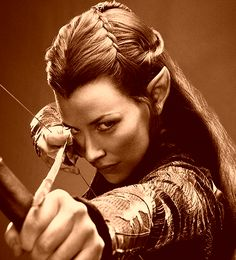 Tauriel was a Wood-elf of Mirkwood, and captain of the Elven guard of Thranduil's Woodland Realm. Tauriel is non-canonical, as she does not appear in the works of J. Tolkien, and is only in The Hobbit film trilogy. Legolas, Thranduil, Kili, Aragorn, Evangeline Lilly, Elfa, O Hobbit, Tauriel Hobbit, Desolation Of Smaug