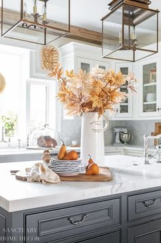 Our kitchen center island is a place where I often have a vase of flowers or greenery, and in the fall I am sure to bring in many branches to fill this space. Fall Home Decor, Autumn Home, Home Decor Items, Diy Home Decor, Fall Kitchen Decor, Kitchen Ideas, Kitchen Design, Romantic Homes, Elegant Homes