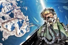 Here's why F-16 pilots take the most stunning selfies. Such as this one.