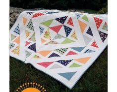 Turnovers Pattern By Freckled Whimsy A simple pieced quilt that will have you craving turnovers every time. Use a layer cake to whip up this Quilting Projects, Quilting Designs, Lattice Quilt, Baby Quilt Patterns, Quilting Patterns, Quilting Ideas, Layer Cake Quilts, Scrap Busters, Quilt Sizes