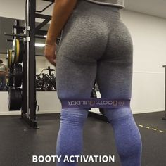 BOOTY BUILDER GIVEAWAY 🍑 @bootybuilder.official Aaaaaand a perfect booty activation warmup ✋🏼 I truly think that resistance bands are…