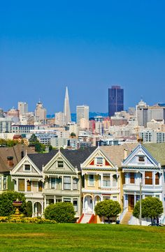 San Francisco Housing Bubble May Be Brewing, Alamo Square San Francisco Travel, San Francisco California, San Francisco Bay, California Dreamin', San Francisco Skyline, San Francisco Houses, Painted Lady House, Puente Golden Gate, Alamo Square