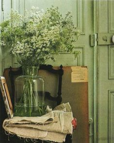 """konfetti: """" Sara Lowman Interiors - The Natural Home by Hans Blomquist """" Nature Aesthetic, Aesthetic Colors, Green Theme, Green Colors, Colours, Picture Wall, Photo Wall, Sage Green Wallpaper, Mint Green Aesthetic"""