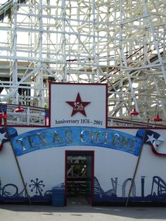 Astroworld's Texas Cyclone (25th anniversary 1976-2001)