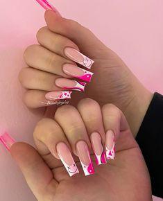 Bling Acrylic Nails, Acrylic Nails Coffin Short, Best Acrylic Nails, Rhinestone Nails, Cute Pink Nails, Sexy Nails, Dope Nails, Trendy Nails, Cute Acrylic Nail Designs