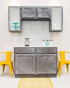 Learn how to #RescueRestoreRedecorate YOUR kitchen cabinets...and more! Find an Ace Hardware or boutique retailer near you! www.amyhowardhome.com/retailers