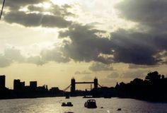 storm clouds over Tower Bridge photo: Robert Bovington Famous Bridges, Sunset Silhouette, Storm Clouds, London Calling, Tower Bridge, London England, Around The Worlds, Sky, Horses