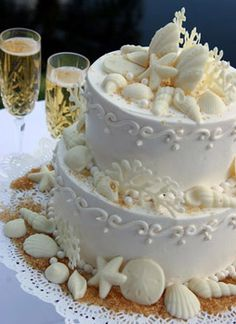 wedding cake seashells starfish