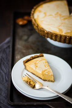 Kinda Raw Marbled Pumpkin Tart (Grain-Free and Vegan) #dairy_free #eggless #autumn #sweet #treat #dessert