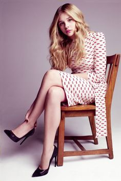 7c7835cd99f0 Legs and Heels. Chloe Grace MoretzV ...