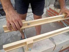 Приспособление для кладки кирпича Concrete Blocks, Entryway Tables, Construction, Diy Crafts, Masons, Tools, Building, Wall, Workshop