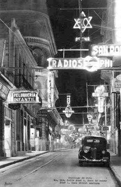 calle Jose Antonio Saco(Enramada) de noche santiago de Cuba.