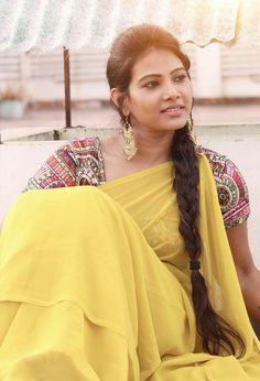 Beautiful Girl Indian, Most Beautiful Indian Actress, Beautiful Saree, Beautiful Actresses, Beautiful Women, Beautiful Things, Front Braids, Cute Beauty, Beauty Girls