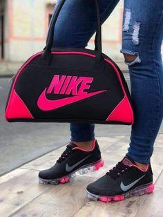 Bling Nike Shoes, Cute Nike Shoes, Cute Nikes, Nike Fashion, Sneakers Fashion, Nike Dama, Baskets, Nike Wear, Balenciaga