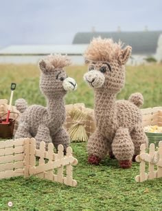 Crochet a Farm: 19 Cute-as-Can-Be Barnyard Creations llama