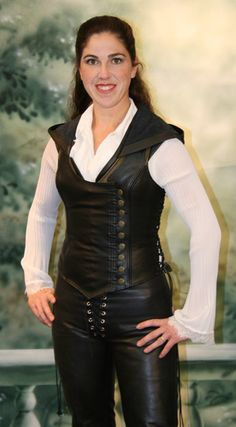 Ravenswood Leather Clothing for Renaissance Garb, Cosplay Costumes and Daily Fashion Renaissance Festival Costumes, Renaissance Corset, Renaissance Clothing, Renaissance Outfits, Renaissance Pirate, Medieval, Rebel Fashion, Daily Fashion, Womens Elf Costume