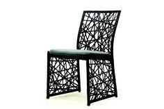 Cadeira Perequê, de aço, alumínio e fobra sintética, 54 x 64 x 89 cm, na Regatta, R$ 846