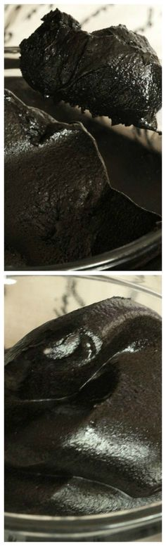 Blackout Chocolate Buttercream Frosting ~ Deep, dark, rich chocolate frosting perfect for birthday cakes and cupcakes.