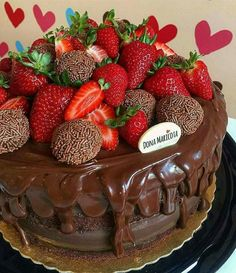 Pastel y repostería Pretty Cakes, Beautiful Cakes, Amazing Cakes, Chocolate Drip Cake, Chocolate Sweets, Bakery Recipes, Fruit Recipes, Bolos Naked Cake, Bolo Cake