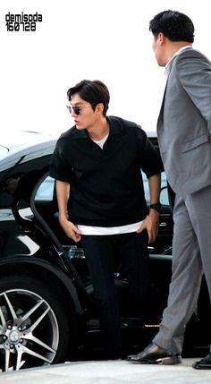 2016 July 28 (Thursday)  |  Depart KOREA Incheon | To |  LA | FOR | KCon | Period: 29-31 July 2016 |  ActorLeeMinHo | Set of 12 |  P11 of P12 |  Photo By & Source:  ♥demisoda♥ (@kkirigun) | Twitter  |  28 July 2016 (Thurs)  |  THIS Post:  28 July 2016 (Thursday)