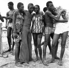 by Malik Sidibié #malicksidibe #mali #africancontemporaryart #africancontemporaryartist #photojournalism #photography #andremagnin #hackelburyfineartryfineart
