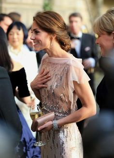 La Duquesa de Cambridge o cómo impresionar en la cita del 'glamour' - Foto 7