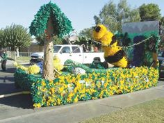 Homecoming float                                                       …