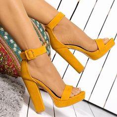 Promise Shoe Republic LA CASA Blockabsatz aus gelbem Wildleder mit Plateau-Knöc… Promise Shoe Republic LA CASA Yellow Suede Block Heel with Platform Ankle Strap – Heels – Ankle Strap Block Heel, Strap Heels, Ankle Straps, Strappy Block Heels, Stilettos, Stiletto Heels, Pumps, Cute Heels, Prom Shoes