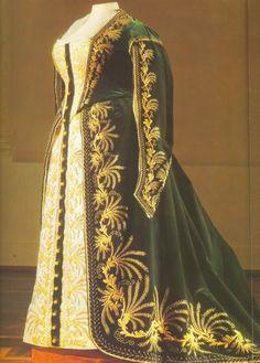 Russian court dress, 1850s