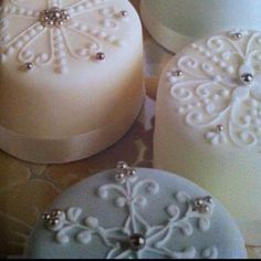 Ornate idea for petit fours