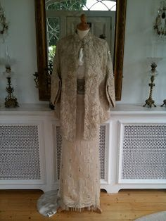 Rosemary Cathcart Antique Lace and Vintage Fashion: Pearl Pleasures