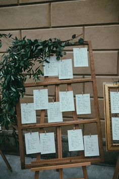 Rustic Chicken Wire Table Plan - LATO Photography | Elegant Italian Villa Wedding | Flora Bridal Gown | Sophia Webster Shoes | White Flowers