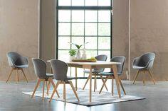 Adelaide stol, produktet er tilgjengelig i tekstil og hud. Som vist, lysegrå Lux Felt tekstil 2310/eik.