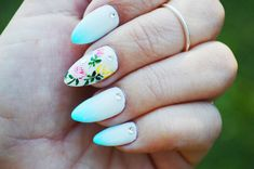 Image discovered by Mr. Kate. Find images and videos about blue, flowers and nail art on We Heart It - the app to get lost in what you love.