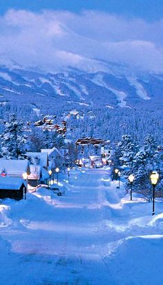 Snowed in! #Breckenridge #RockyMountains #WinterWonderland #WinterGetaway  https://www.paragonlodging.com