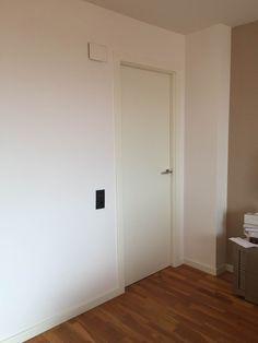 pintar las puertas de casa Chalk Paint, Tall Cabinet Storage, Doors, Furniture, Home Decor, Projects, Paint Interior Doors, Painted Doors, Bricolage