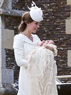 First Photos of the Royal Family of 4! Princess Kate, Prince William, Prince George and Princess Charlotte Enter Church for Christening| The British Royals, The Royals, Kate Middleton, Prince George, Prince William, Princess Charlotte