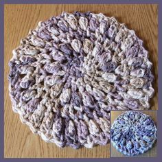 Free Crochet Round Hot Pad Pattern with Coaster Round Hotpad, Coaster and Scrubbie Set All Free Crochet, Crochet Round, Crochet Home, Crochet Crafts, Yarn Crafts, Crochet Projects, Knit Crochet, Crochet Carpet, Crochet Geek