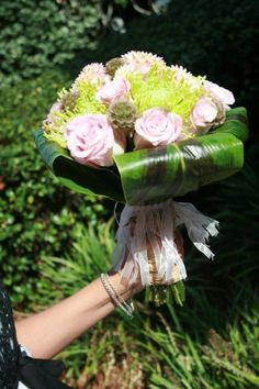 www.flowerhillflo... #fhflowers #bridalbqtred #vintagebridalbqt #pinkandgreen #tileafwrapbqt