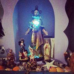 Meu altar...meu canto sagrado... #altares #altar #divino #Deus #luz #paz