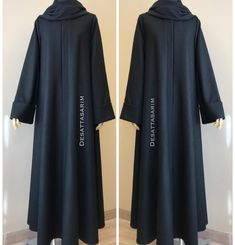 Keçe dökümlü duble kol ferace bilgi ve sipariş için WhatsApp üzerinden ulaşabilirsiniz Black Abaya, Modele Hijab, Abaya Dubai, Abaya Designs, Abaya Fashion, Muslim Women, Blouse Patterns, Kaftan, Couture